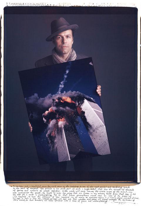 Lyle Owerko qui était l'un des premiers photographes sur les lieux de l'attentat du 09/11