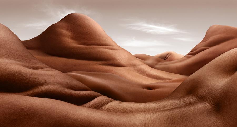 Shoulder Hill Valley - © Carl Warner