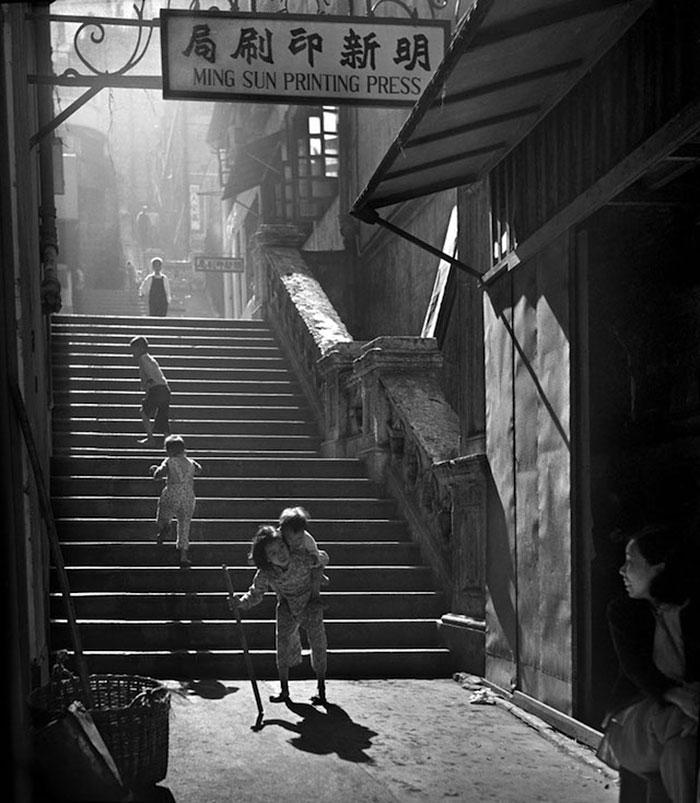 street-photography-hong-kong-memoir-fan-ho-241
