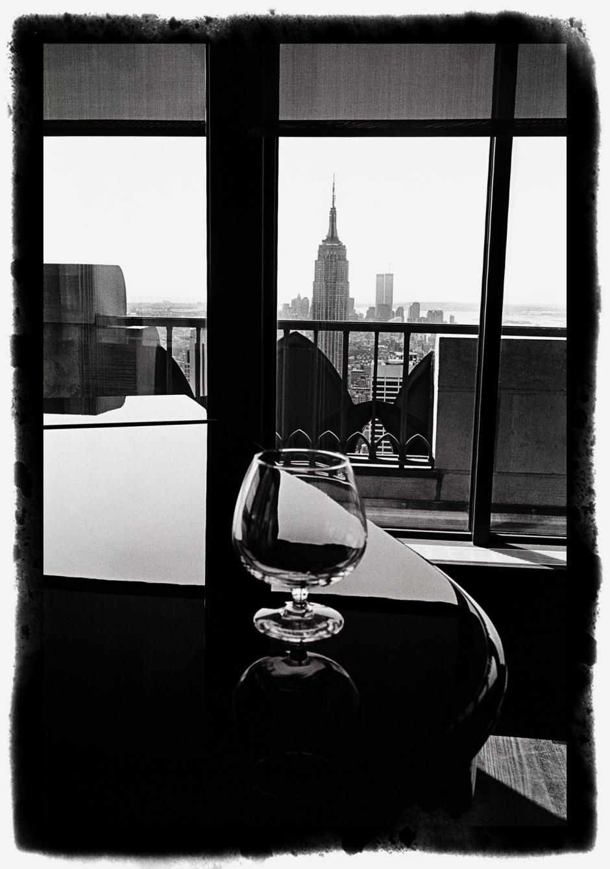 Prix Ilford 2011 : le verre sur le piano à New-york (Leica M6 + Summicron 2/35 mm version III).