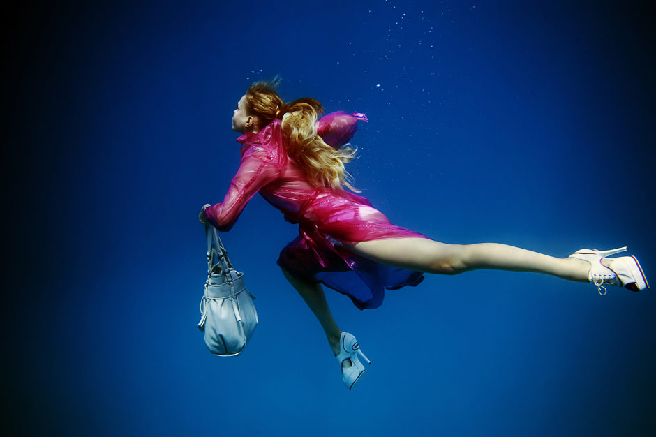 UNDERWATER_Fashion_on_the_run