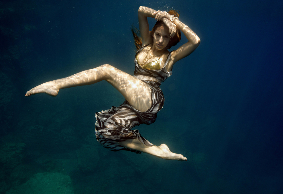 UNDERWATER_Fashion_zebra1200