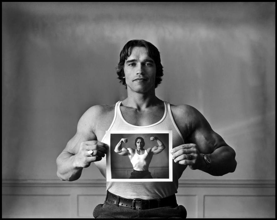 Arnold Schwarzenegger photographé par Elliott Erwitt