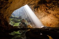 Hang-Son-Doong-Cave-Sunbeam