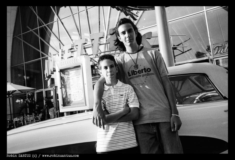 Florian et julian - Leica M6 + 2/35 mm - © Robin Santus