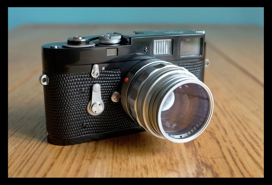 Leica M2 avec Summilux 1.4/50 mm - © Robin Santus