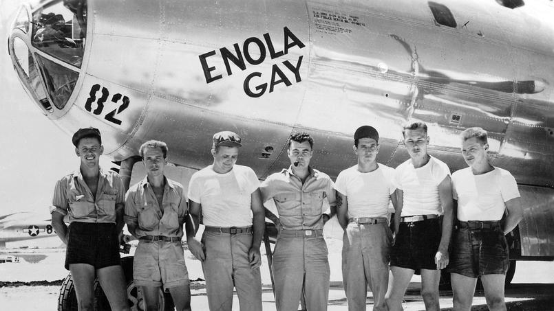 L'équipage du bombardier B-29 Enola Gay après le largage de la bombe atomique sur Hiroshima - © Rue des Archives/Suddeutsche Zeitung