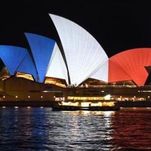 L'Opéra de Sydney aux couleurs du drapeau français - © AFP / William West