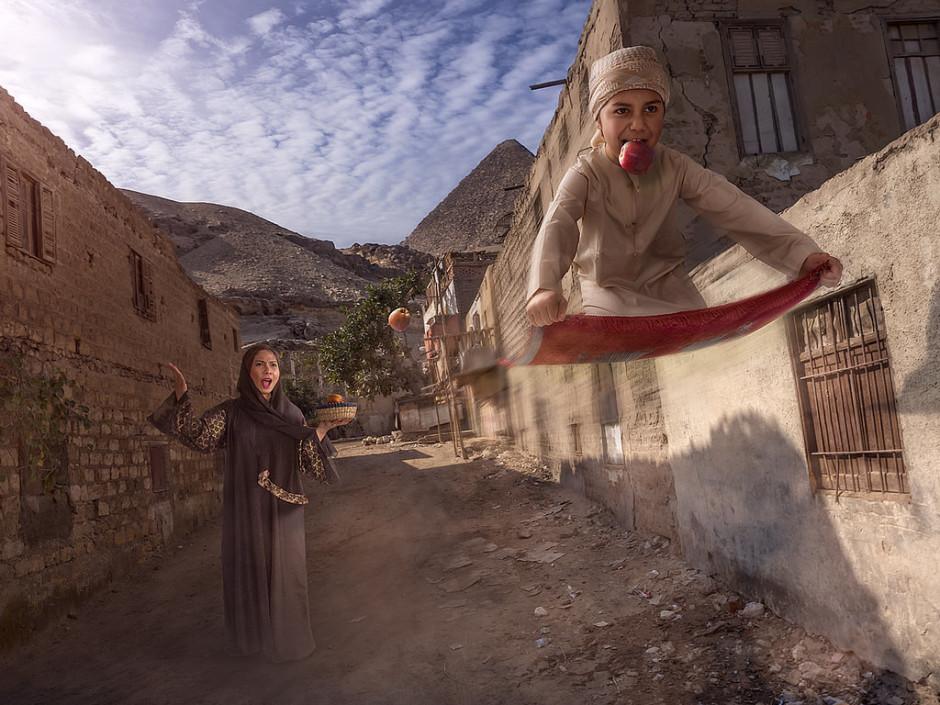 """""""Flying carpet"""" - Une des rares images d'Adrian représentant son fils Nic et sa femme !"""