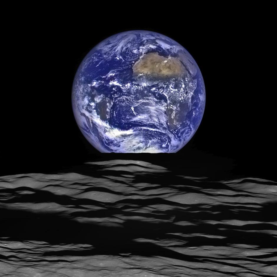 """A voir : la NASA photographie un """"lever de Terre"""" depuis la Lune"""