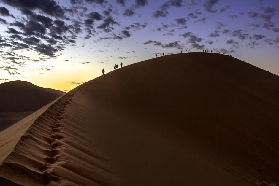 © Bernard Mazière - Lever de soleil sur la Dune 45 en Namibie