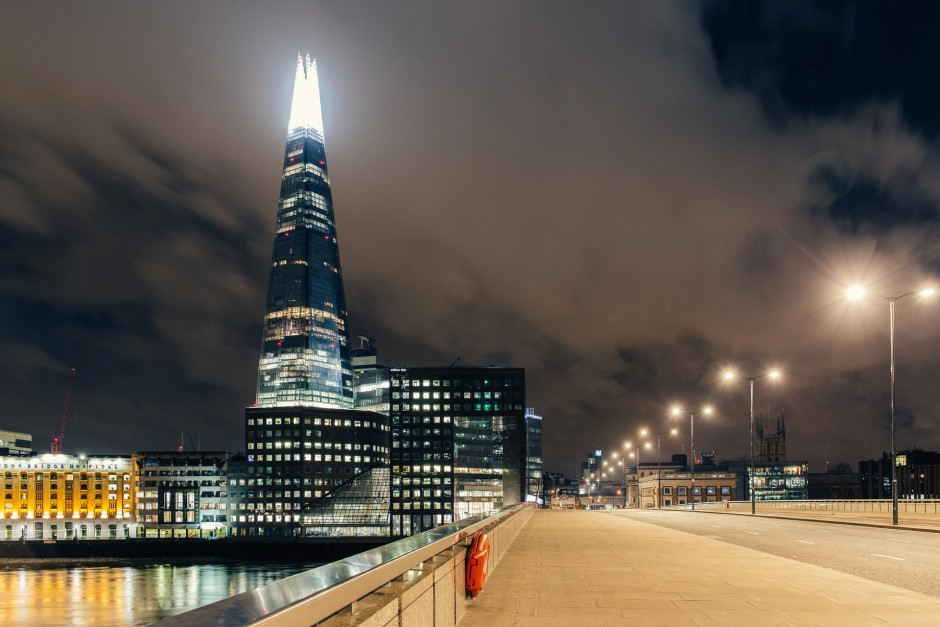Desert in London / London Bridge - © Genaro Bardy