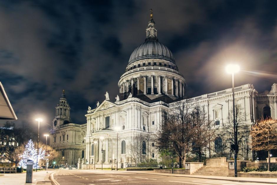 Desert in London / Saint-Paul's Cathedral - © Genaro Bardy