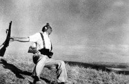 Mort d'un soldat républicain, Robert Capa, 5 septembre 1936, Espagne