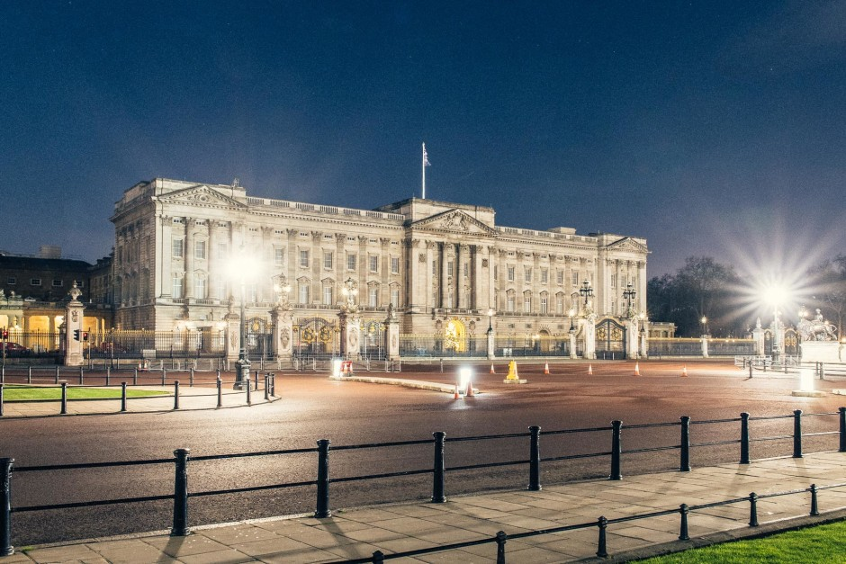 Desert in London / Buckingham Palace - © Genaro Bardy