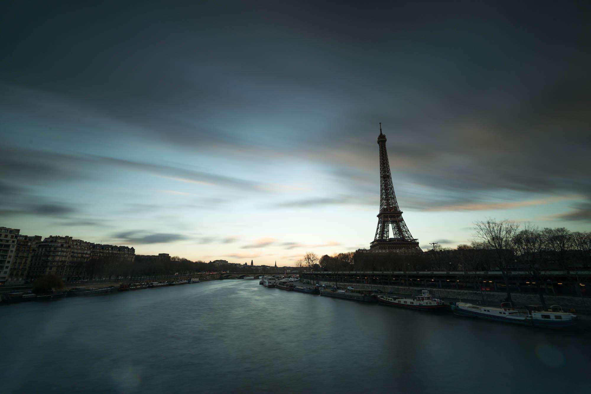 La Seine et la Tour Eiffel - filtre Nisi AR ND 1000 + filtre GND8 Soft - 16mm, 30s, f/11, ISO 100 - © Damien Roué