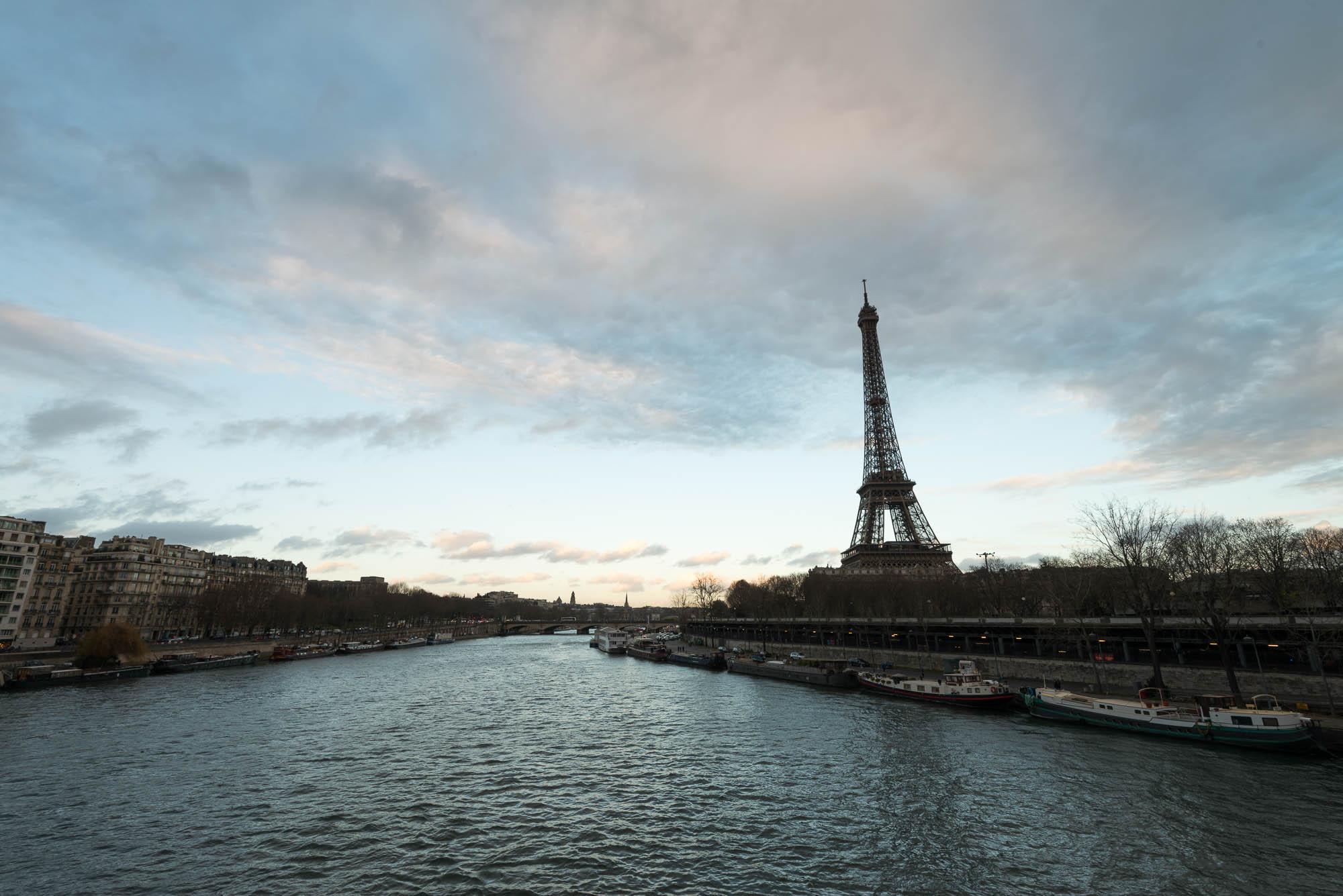 La Seine et la Tour Eiffel - sans filtre - 16mm, 1/30s f/11, ISO 100 - © Damien Roué