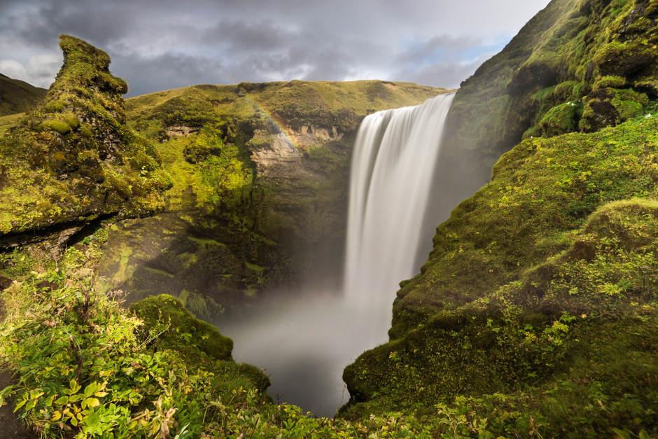 Chute d'eau de Skogafoss en Islande - © Damien Roué