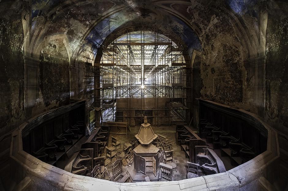 Château et chapelle abandonnée, Italie 2015 - © Francis Meslet