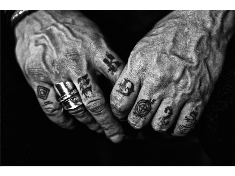 Mains de Joey Starr - ©Nikos Aliagas