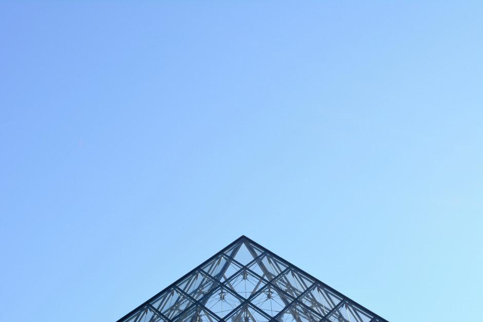 Pyramide du Musée du Louvre - Paris