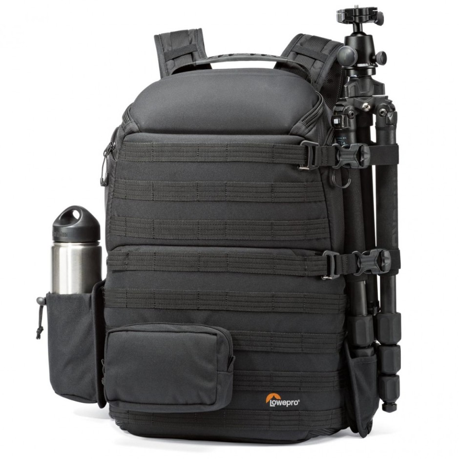 Le sac avec ses accessoires extérieurs positionnés