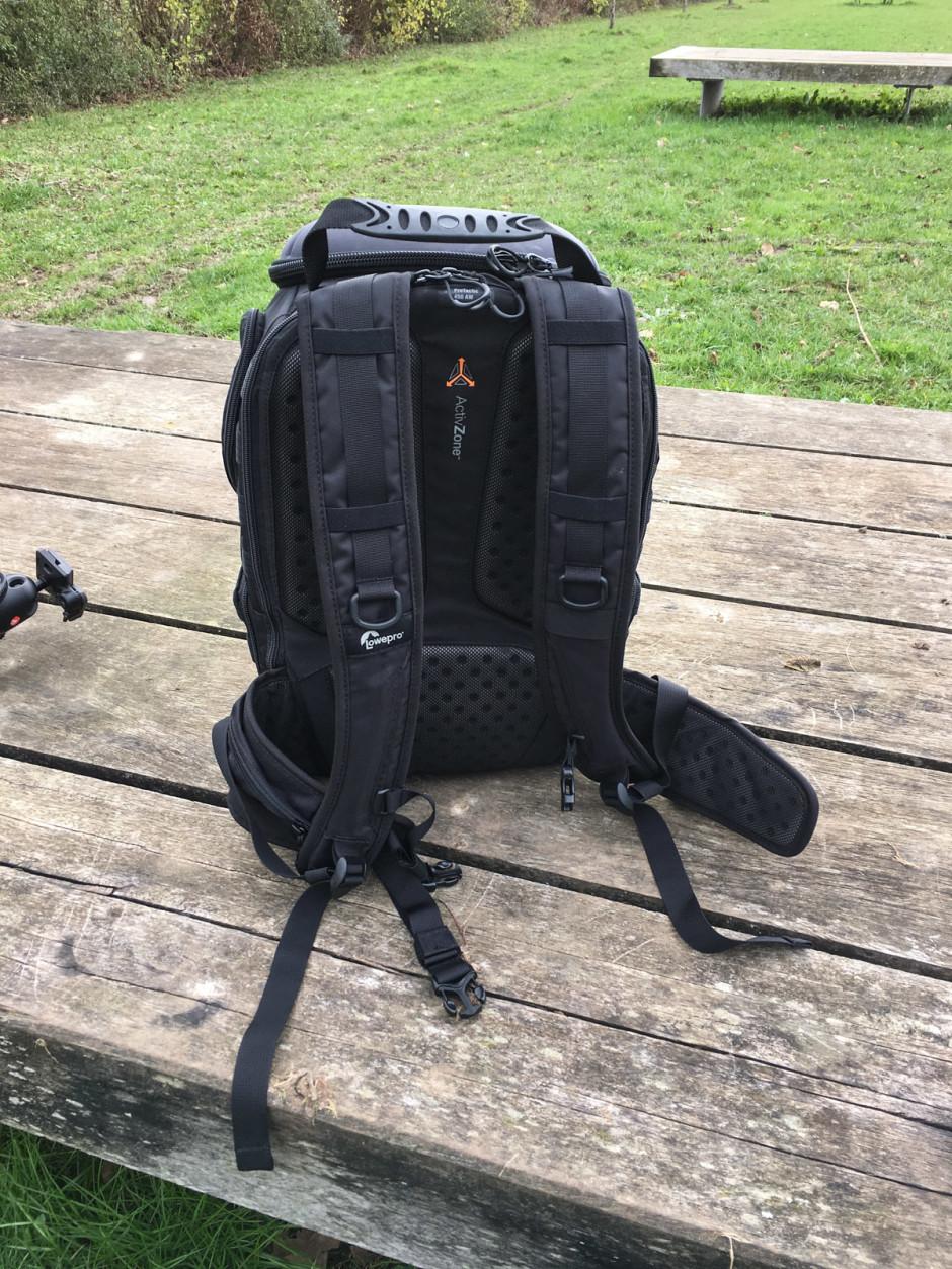 Le sac vu de dos