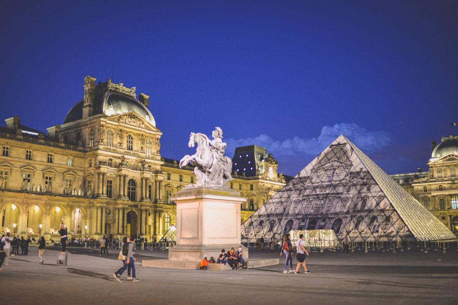pyramide-louvre-JR_3
