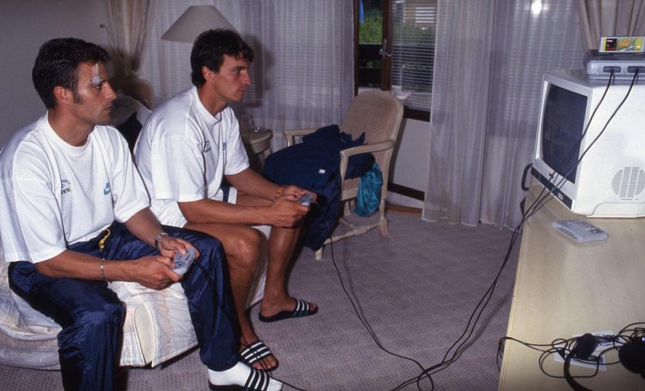 Juillet 1993. Alain Roche et David Ginola - © C.Gavelle/PSG
