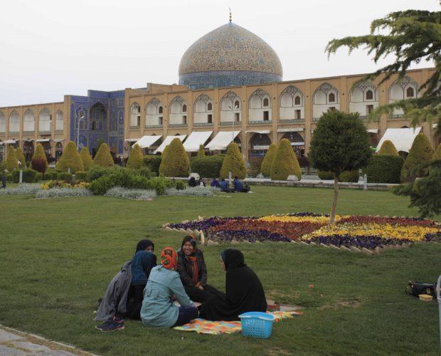 Pique Nique à Isfahan - Martin Balcells