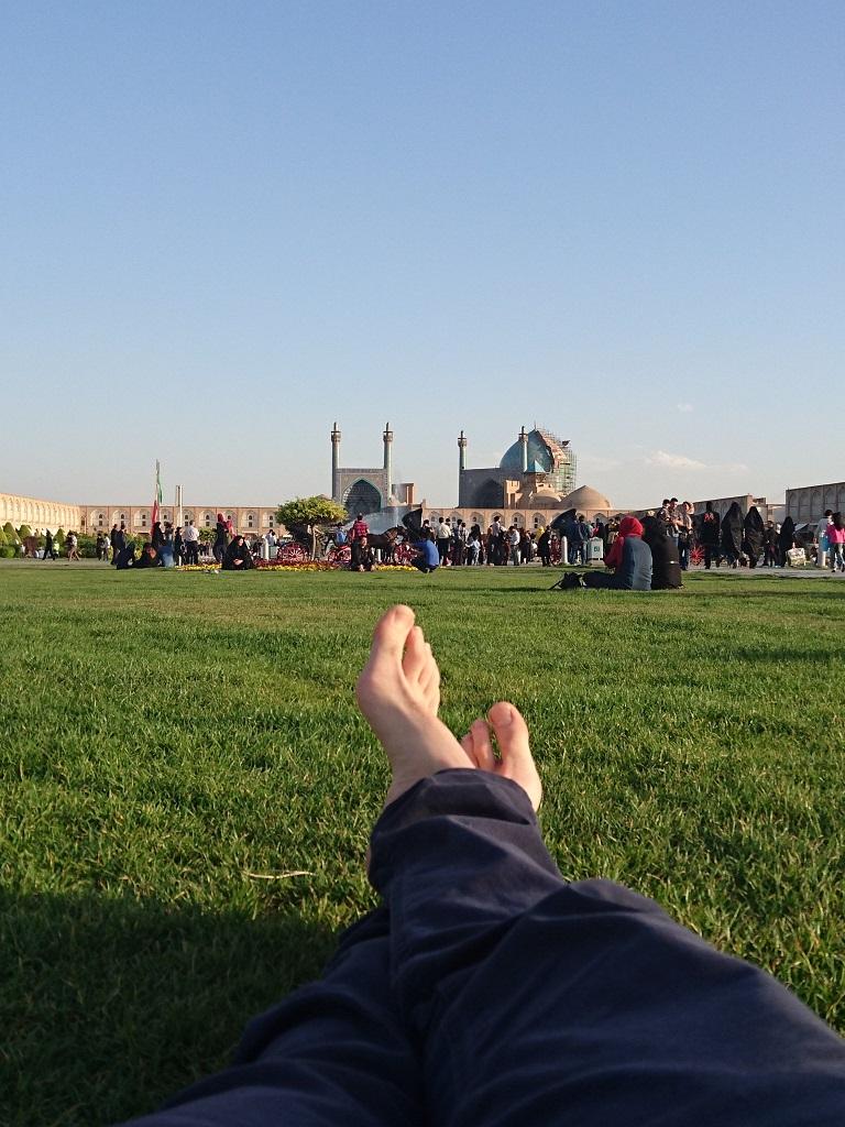 sur la pelouse de Naghsh-e Jahan à Isfahan - Martin Balcells