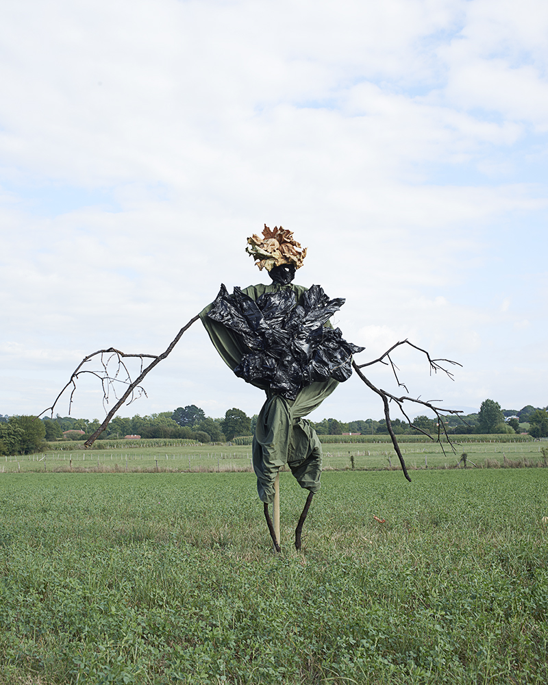 "© Kate Fichard avec Hugo Deniau - ""Scarecrows"" - Festival Circulation(s) 2017"