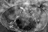 "© Sudipta Dutta Chowdhury (Inde) - 1er prix Amateur en Photojournalisme - ""Life in Furnace"""