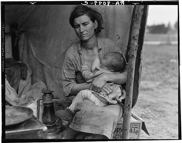 © Dorothea Lange - Migrant agricultural worker's family. Seven hungry children. Mother aged thirty-two. Father is native Californian. Nipomo, California (1936)