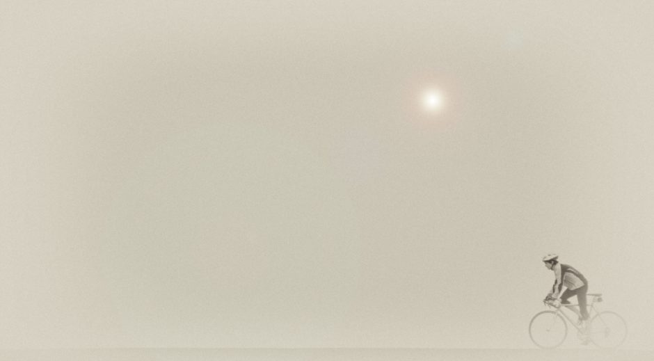"© Rens Weststrate - ""Training in de mist"" - Gagnant du mois janvier 2017 - Catégorie Sport - Pays-Bas, Westkapelle"