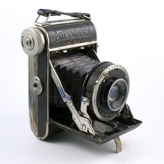 Semi-Olympus I (1936) © Camerapedia - With the permission of the ebayer knight_camera