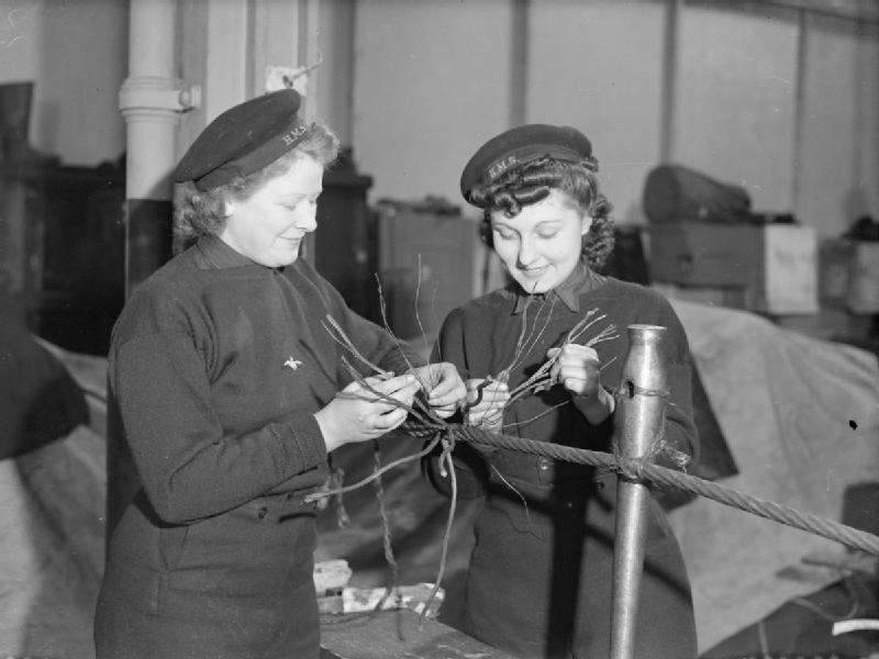 © Lee Miller - The Women's Royal Naval Service, Angleterre, (non daté)