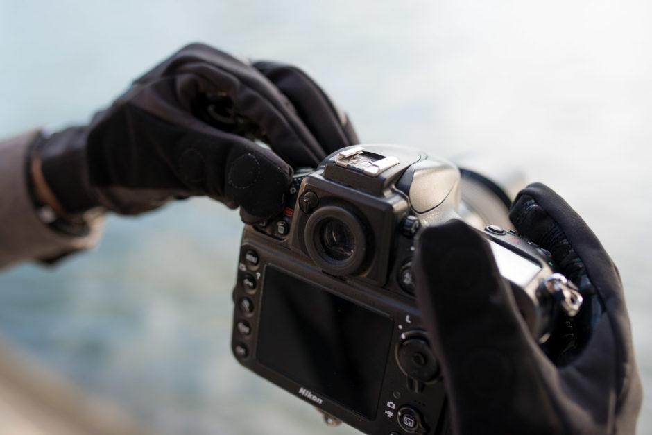 Difficile de manipuler son appareil photo avec des gants classiques