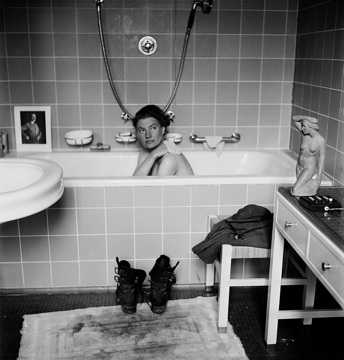 © David E. Scherman - Lee Miller dans la baignoire d'Hitler, Munich, Allemagne, avril 1945