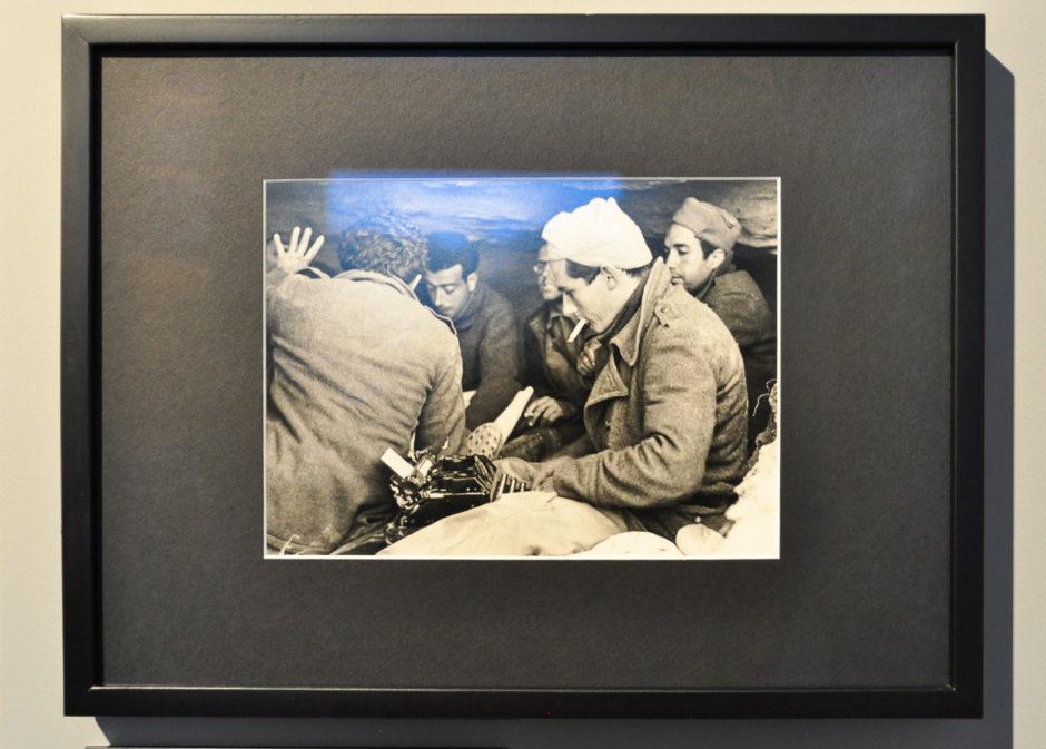 "© Robert Caoa - Exposition ""Photographes de guerre - Depuis 160 ans, que cherchent-ils ?"" - Mémorial de Verdun"