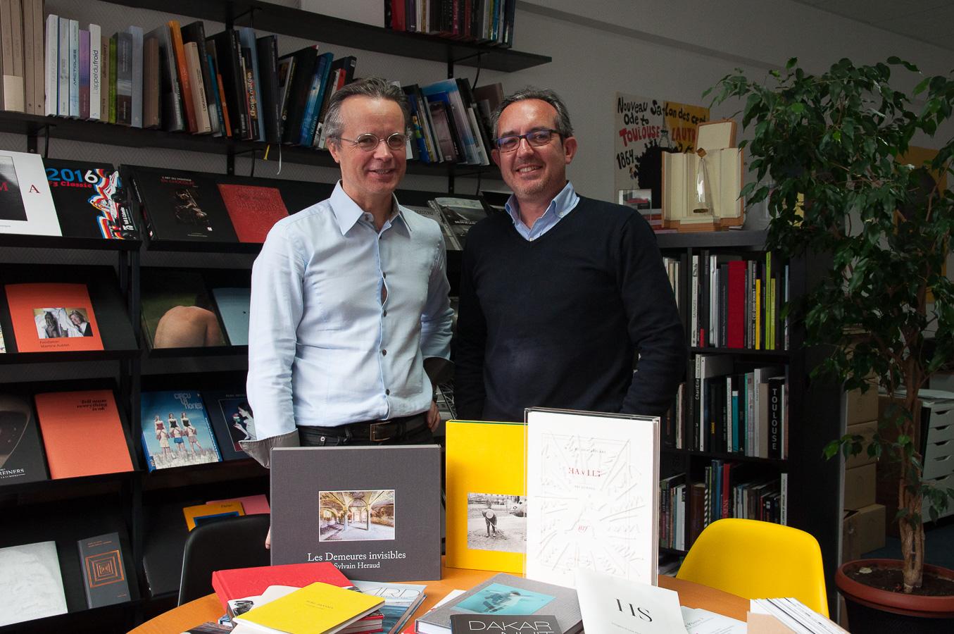 Showroom de l'imprimerie Escourbiac à Paris - Alain Escourbiac (gauche) et John Briens (droite)
