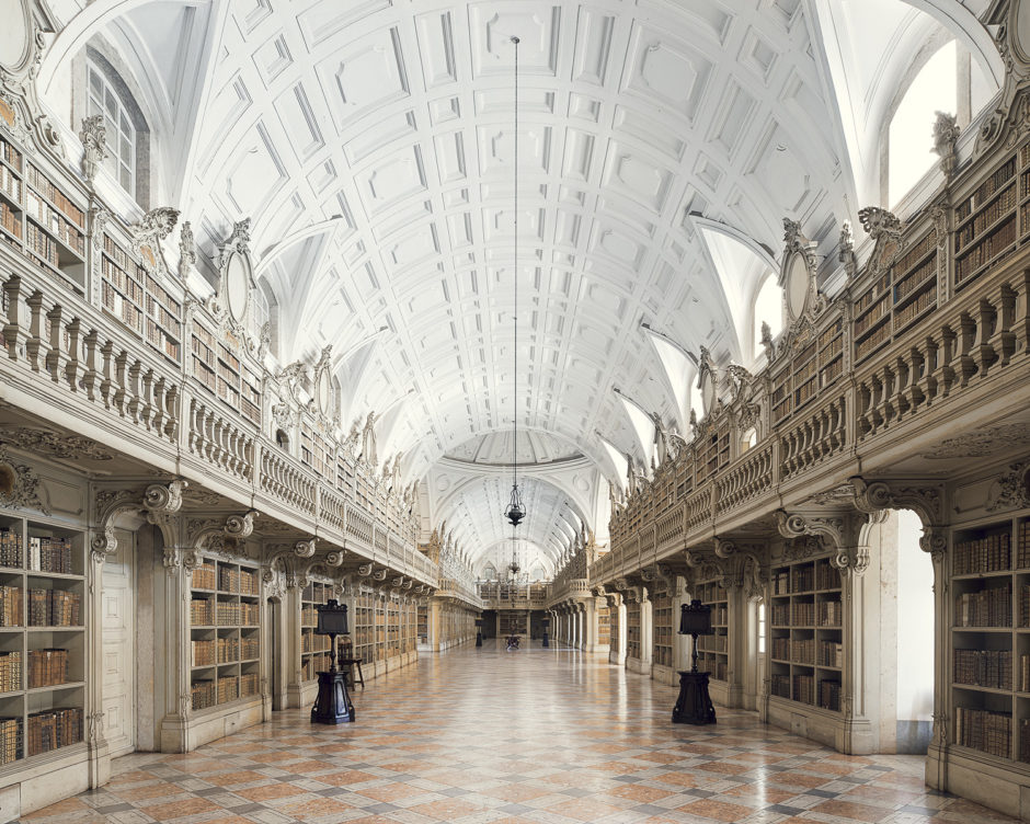 "© Thibaud Poirier - ""Libraries"" - Palàcio Nacional de Mafra, Mafra, 1755"