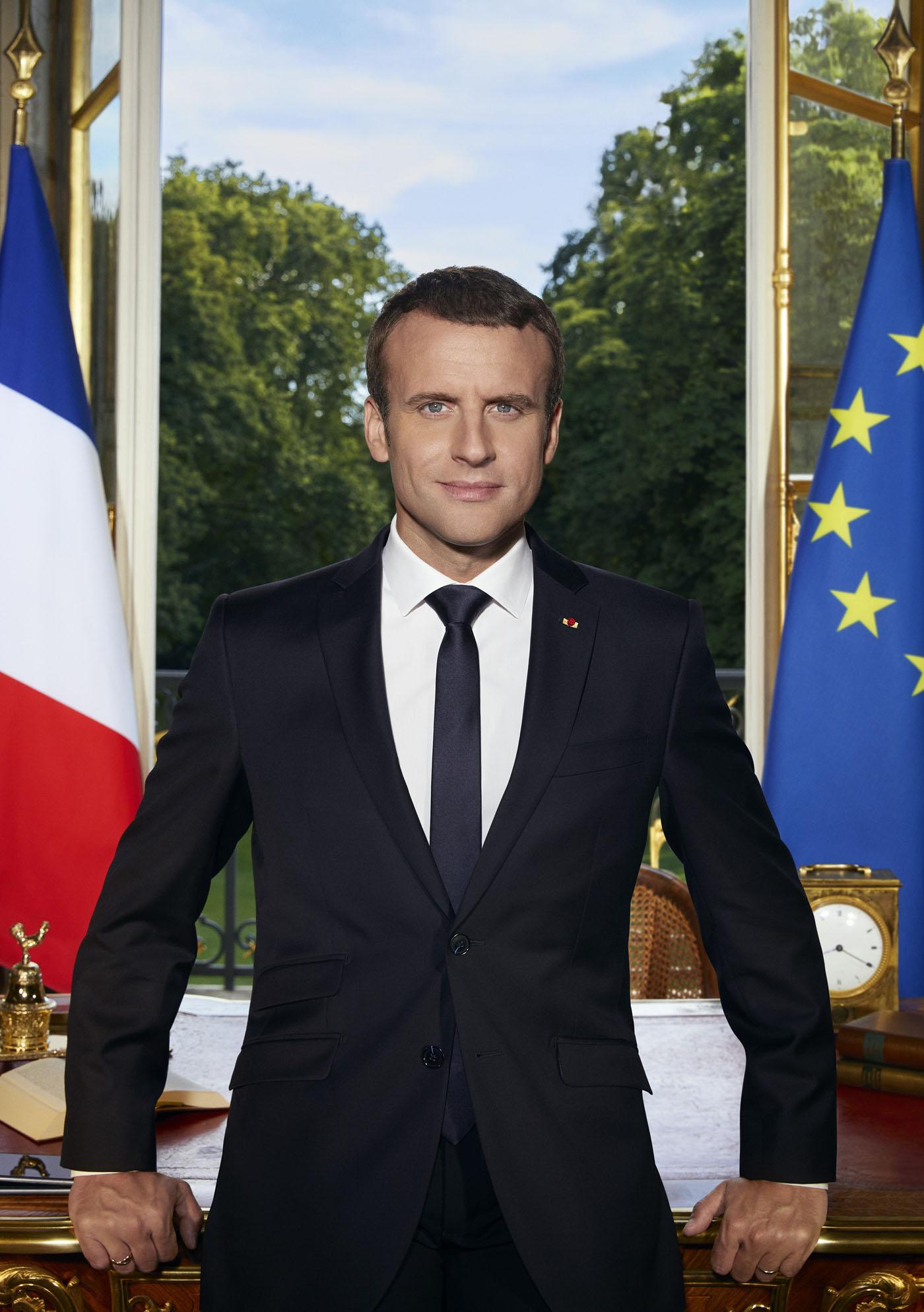 La force habituelle en France ... Phototrend_emmanuelmacron_portraitofficiel