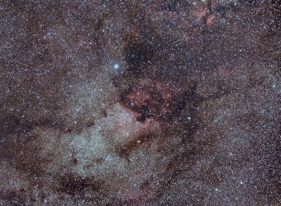 Nébuleuse de l'Amérique du nord et du pélican EOS 50D défiltré @70mm f/4, 60 minutes de pose.