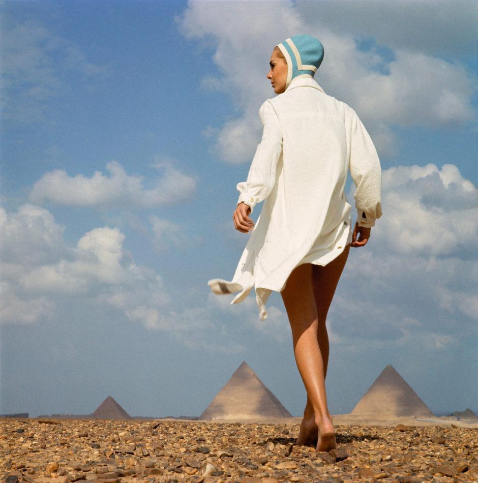Une journée à la plage, Karin Mossberg, Bonnet de bain par Radium : Gizeh 1966 (C) F.C.Gundlach Foundation