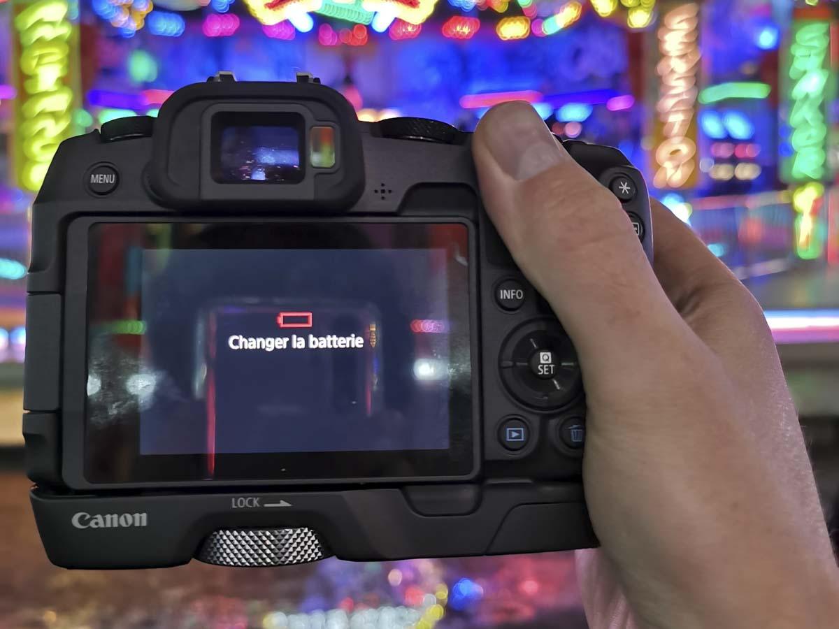 Changer la batterie Canon EOS RP