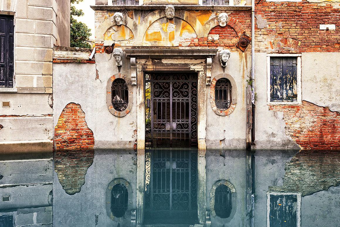 """Expo photo YellowKorner : Aurélien Villette présente """"L'esprit du lieu"""", sa série urbex à Venise"""
