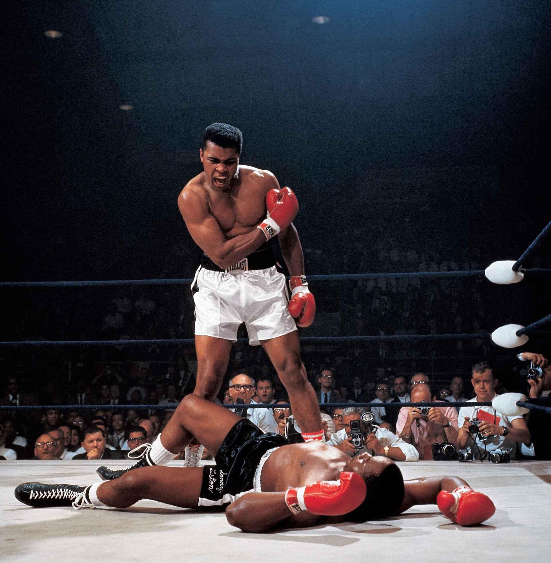 Le Dessous des images : Muhammad Ali met K.O le champion du monde Sony Liston au 1er round