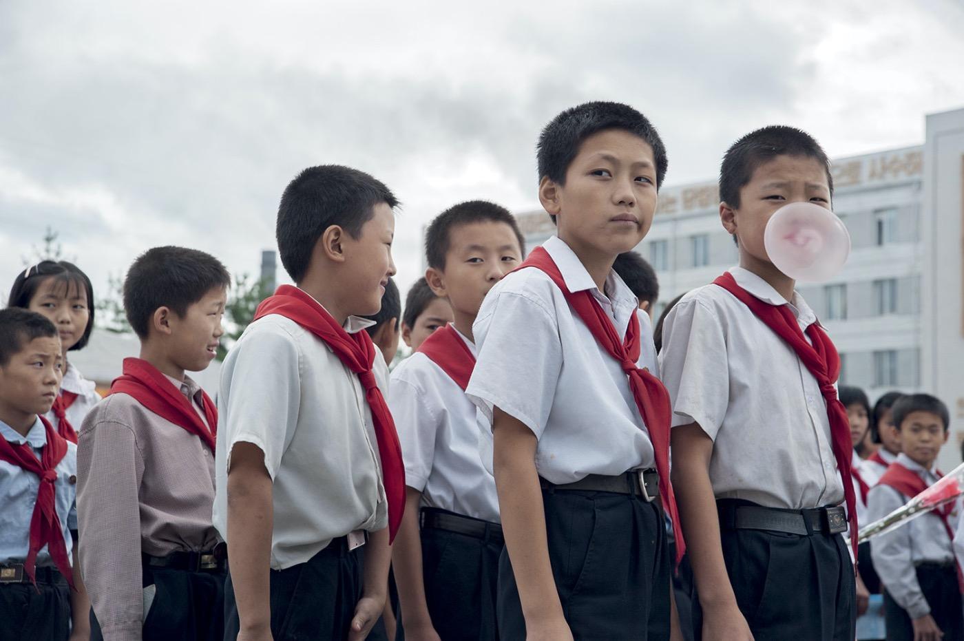 Le Grand Mensonge par Didier Bizet : fable photographique en Corée du Nord