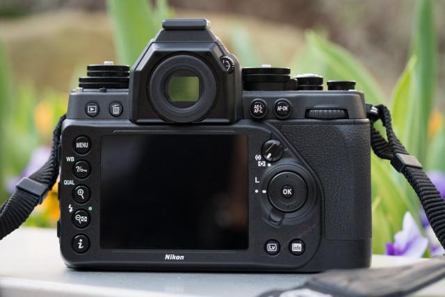 Dos Nikon Df